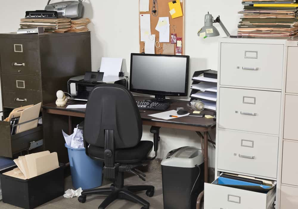 avoid clutter in your commercial office space
